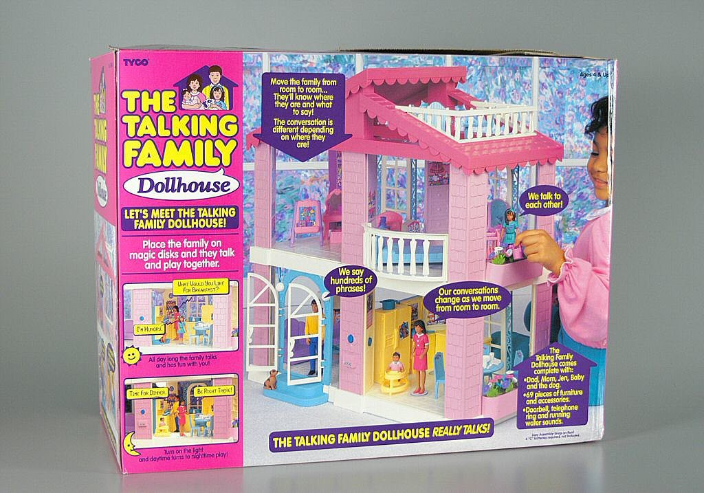 Talking-Family-Dollhouse