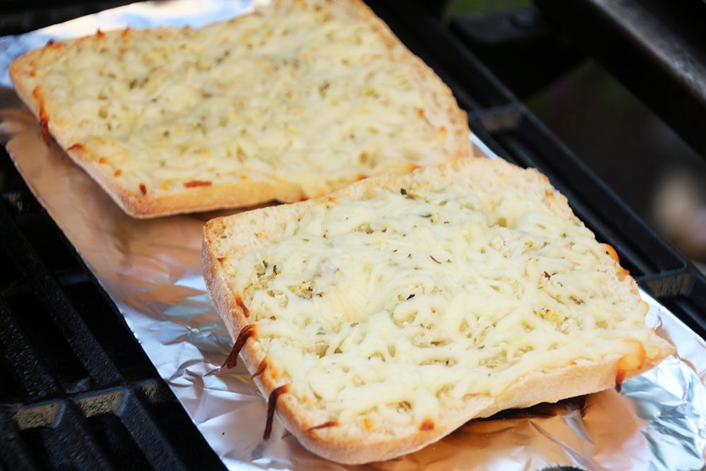 Grilled-Herb-and-Cheese-Bread-017