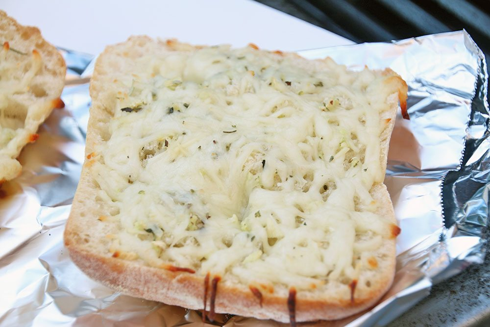 Grilled-Herb-and-Cheese-Bread-023