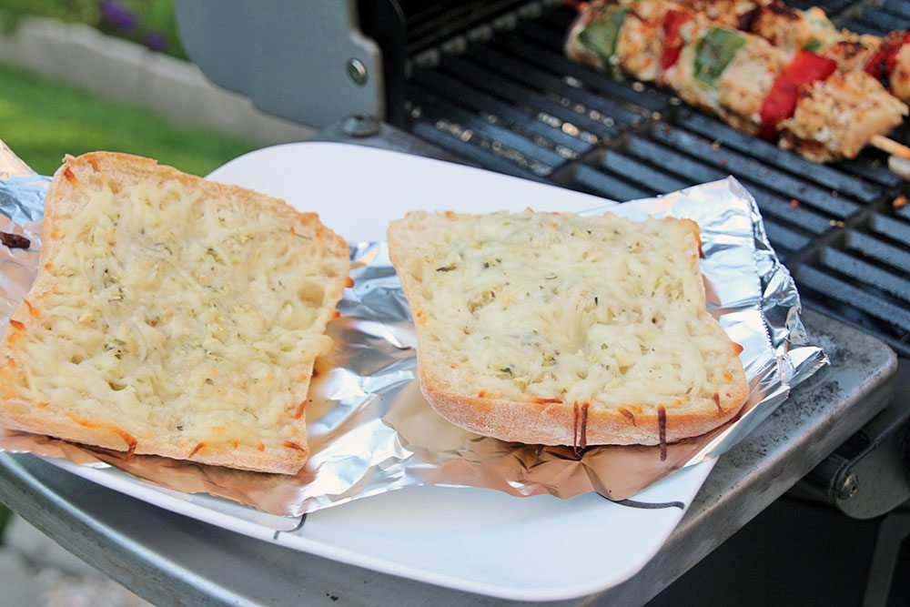 Grilled-Herb-and-Cheese-Bread-026