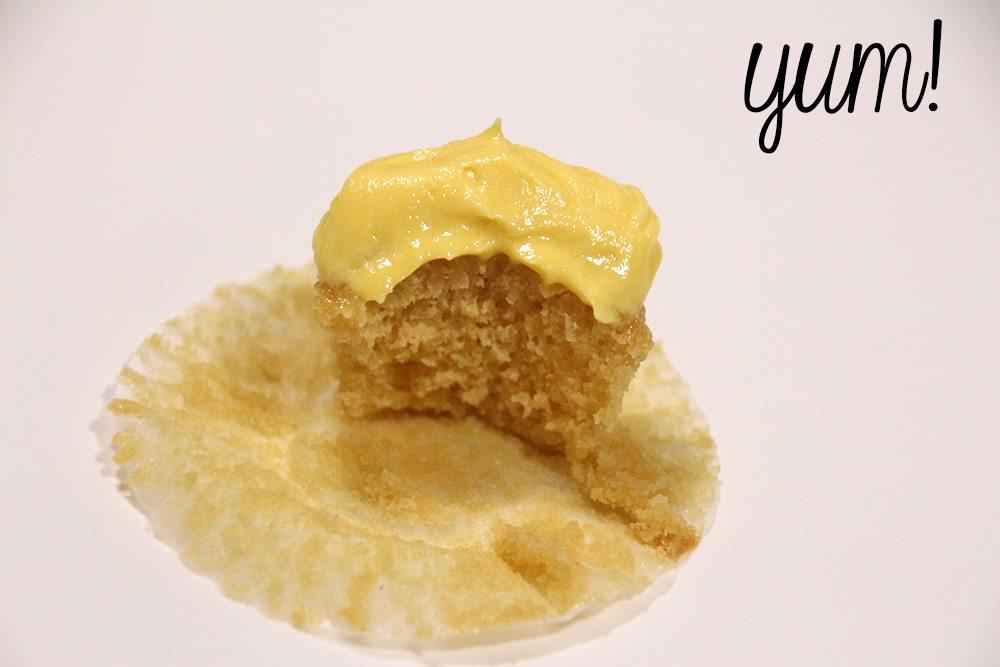 Mini-Lemon-Vanilla-Cupcakes-020